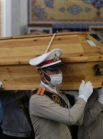 هواپیمای حامل پیکر استاد شجریان در مشهد به زمین نشست