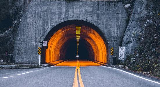 اقداماتی برای کاهش تصادفات ناشی از نور تونلها
