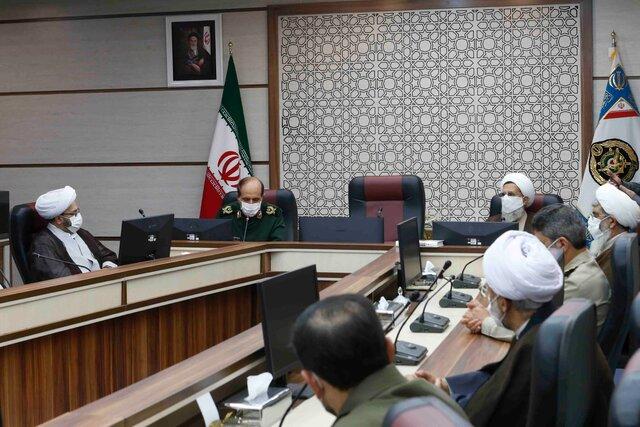 دیدار مسئولین دفتر عقیدتی سیاسی فرماندهی معظم کل قوا با رئیس سازمان عقیدتی سیاسی ارتش