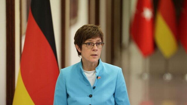 طرح وزیر دفاع آلمان برای ایجاد نیروی واکنش سریع اتحادیه اروپا