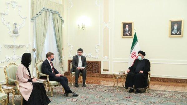 رئیس جمهور: ایران با همه کشورها بنای همکاری دارد/ زیر بار زور نمیرویم